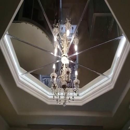 Зеркальное панно на потолок треугольники